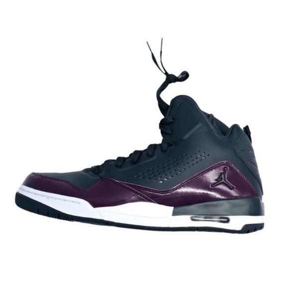 hot sale online a3d6e 1d35e Jordan Nike Men s SC-3 Black Basketball Shoe 12